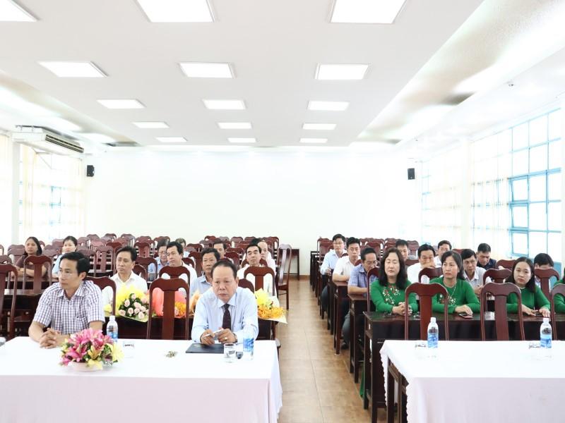 Bế giảng Lớp bồi dưỡng lãnh đạo _ 2