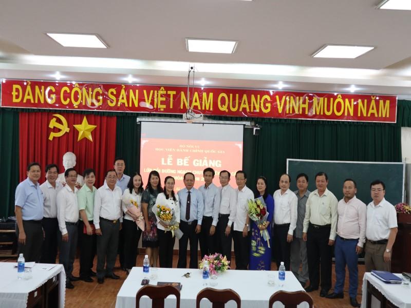 Bế giảng Lớp CVCC K IV năm 2019 _ 8