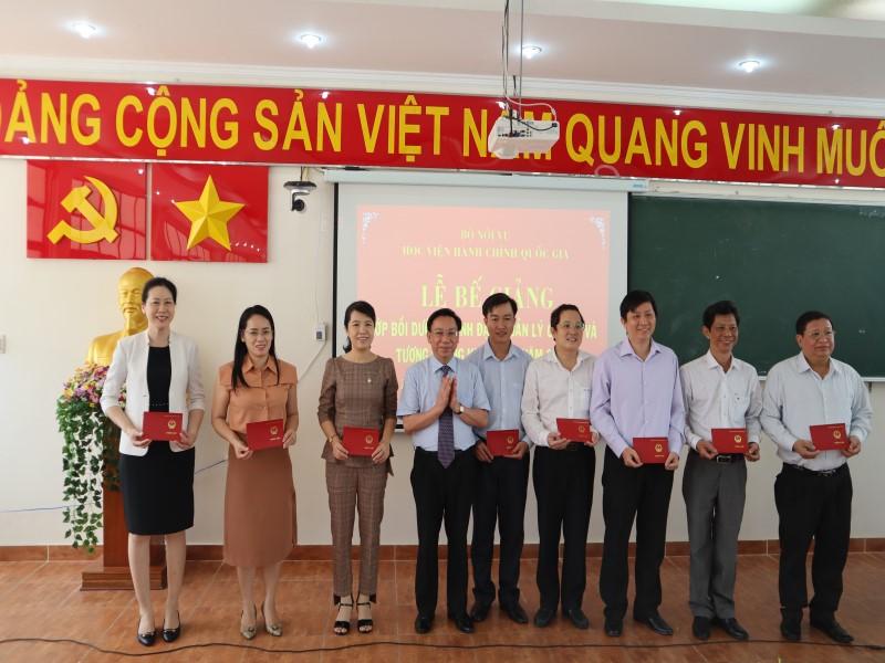 Bế giảng Lớp bồi dưỡng cấp Sở  VIII năm 2019 _ 6