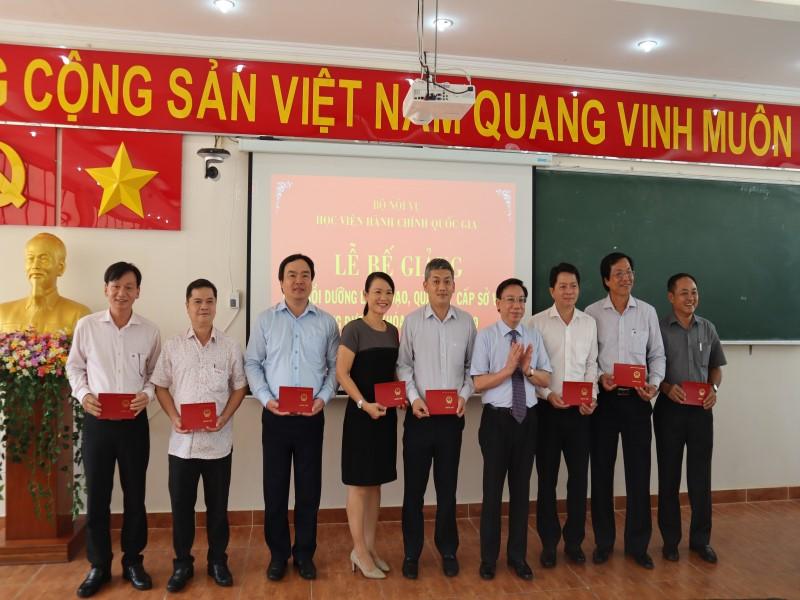 Bế giảng Lớp bồi dưỡng cấp Sở  VIII năm 2019 _ 7