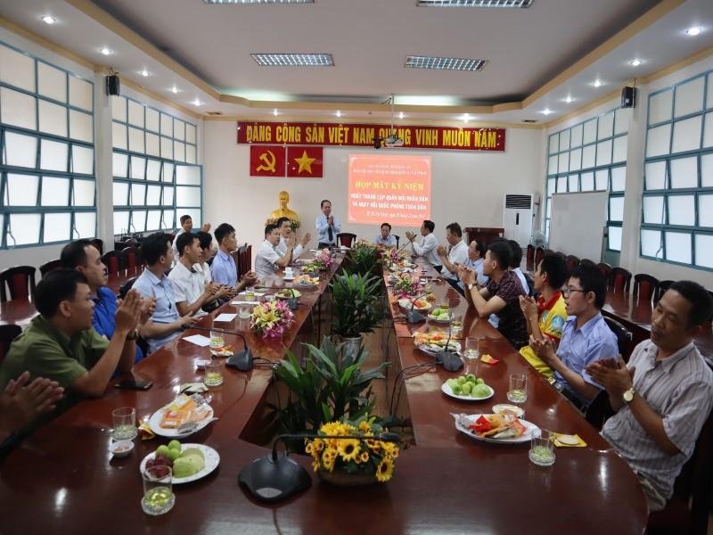 Họp mặt Kỷ niệm 75 năm Ngày thành lập Quân đội Nhân dân Việt Nam và Ngày Hội Quốc phòng Việt Nam _ 8
