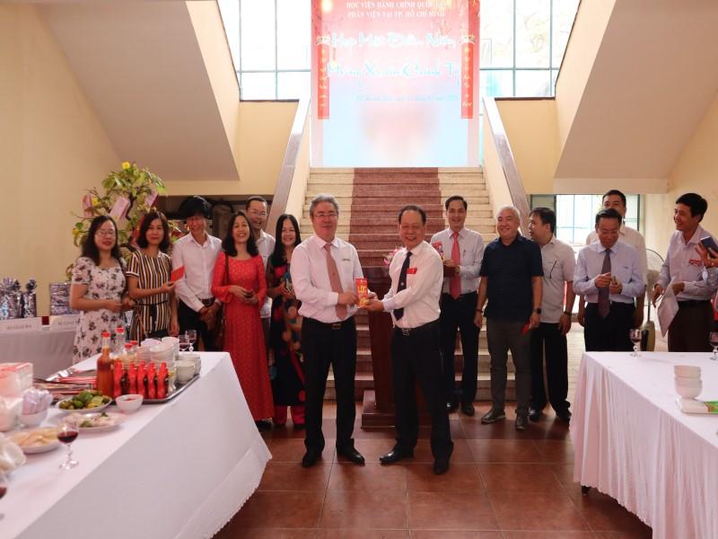 Giám đốc Học viện họp mặt đầu Xuân Canh Tý 2020 _ 4