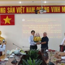Giám đốc Học viện trao Quyết định nghỉ hưu cho TS.GVCC Phạm Quang Huy _ 10