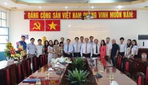 Giám đốc Học viện trao Quyết định nghỉ hưu cho TS.GVCC Phạm Quang Huy _ 12