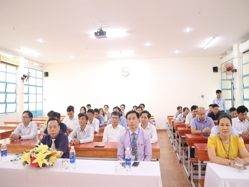 Bế giảng Lớp bồi dưỡng cấp Vụ khóa VI _ 2