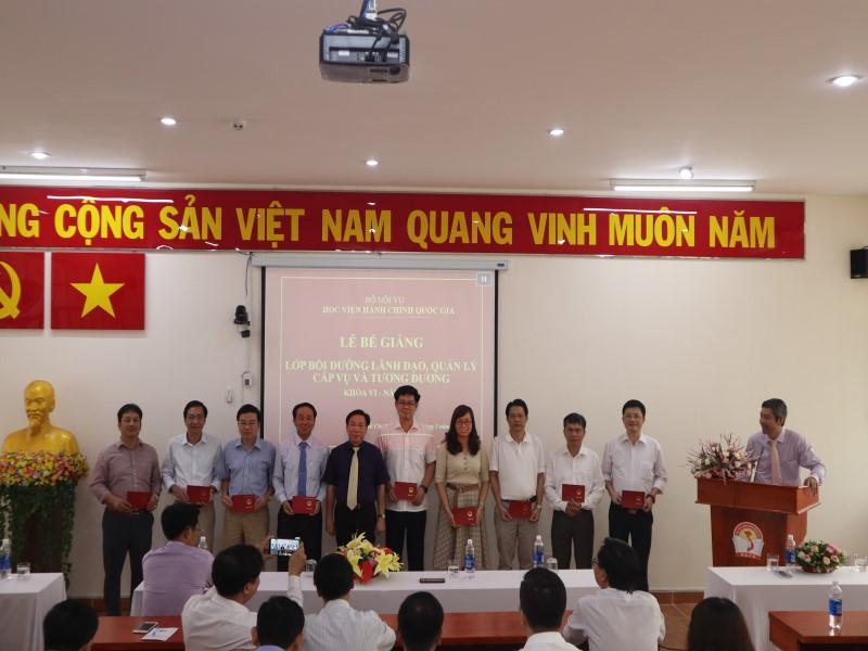 Bế giảng Lớp bồi dưỡng cấp Vụ khóa VI _ 7