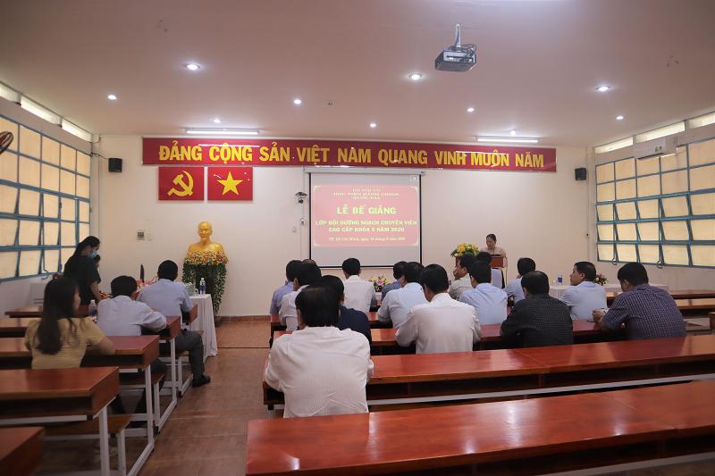 Bế giảng Lớp Bồi dưỡng ngạch chuyên viên cao cấp khóa 5 năm 2020 _ 7