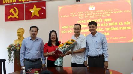 Công bố Quyết định nghỉ  hưu hưởng chế độ bảo hiểm xã hội Hoang Thi Bac _ 6