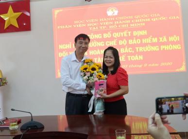 Công bố Quyết định nghỉ  hưu hưởng chế độ bảo hiểm xã hội Hoang Thi Bac _ 9