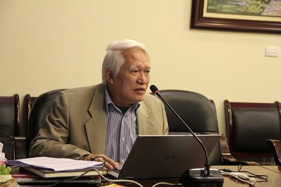 GS.TS. Nguyễn Chu Hồi trình bày tham luận tại Hội thảo