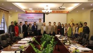 Các đại biểu tham dự Hội thảo chụp ảnh lưu niệm
