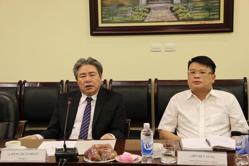 TS. Đặng Xuân Hoan, Giám đốc Học viện Hành chính Quốc gia phát biểu tại buổi làm việc