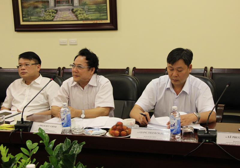 TS. Phạm Đức Chính, Phó Trưởng Khoa Bồi dưỡng Công chức và Tại chức giới thiệu các chương trình đào tạo cán bộ cao, trung cấp của Học viện