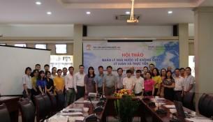 Các đại biểu và cán bộ, giảng viên Khoa QLNN về Đô thị và Nông thôn cùng các sinh viên chuyên ngành