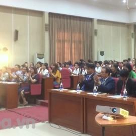 Các đại biểu tham dự buổi giới thiệu chương trình