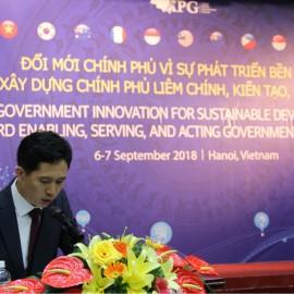 Ông Jong Tae Jun – Giám đốc Chương trình Quản trị nhà nước, Trung tâm chính sách công OECD Hàn Quốc phát biểu khai mạc Diễn đàn.