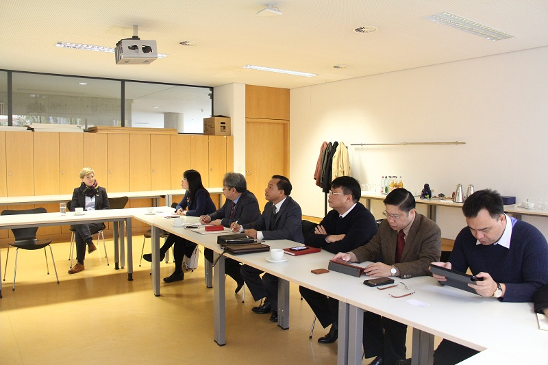 Đoàn làm việc tại Trường Đại học Khoa học ứng dụng Frankfurt – CHLB Đức