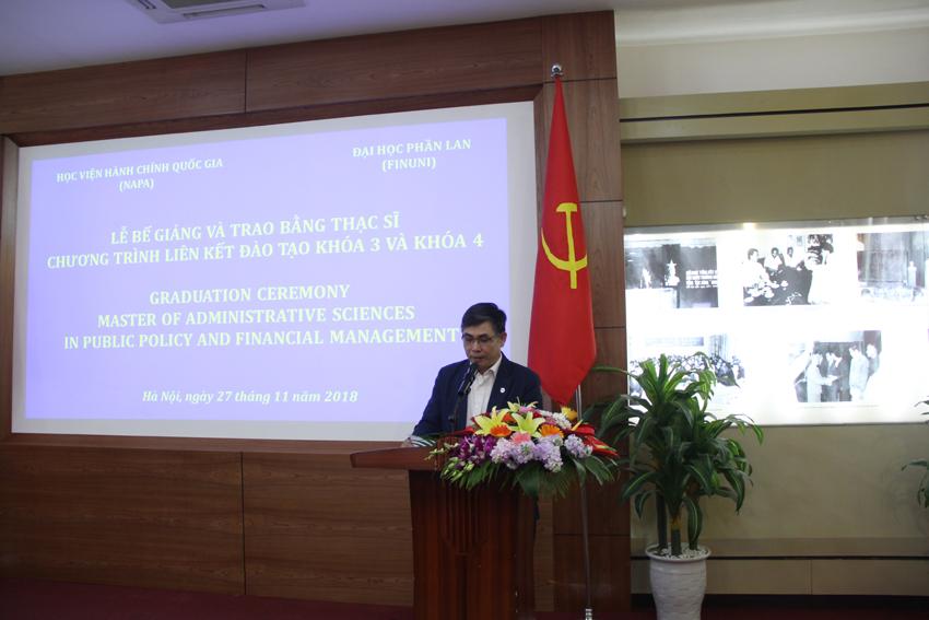 Ông Trần Trung Vinh – Phó Chánh Văn phòng Đề án 165 phát biểu chúc mừng