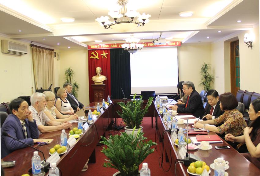 TS. Đặng Xuân Hoan, Giám đốc Học viện Hành chính Quốc gia phát biểu ý kiến tại buổi làm việc