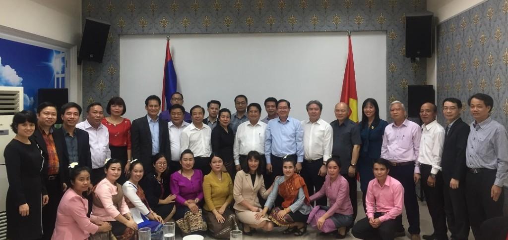 Bộ trưởng Bộ Nội vụ Lê Vĩnh Tân gặp gỡ giao lưu với đoàn