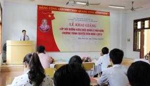 TS. Ngô Văn Trân phát biểu khai giảng lớp học