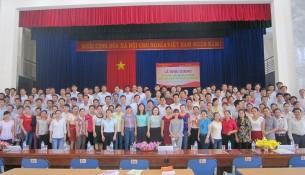 Đại biểu, Lãnh đạo Cơ sở học viện và học viên tham dự lớp học  chụp ảnh lưu niệm