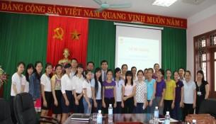 Lãnh đạo, cán bộ Cơ sở Học viện và học viên của lớp học tại Lễ bế giảng