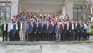 Đồng chí Lê Vĩnh Tân – Ủy viên Trung ương Đảng, Bộ trưởng Bộ Nội chụp ảnh lưu niệm cùng Lãnh đạo tỉnh Thừa Thiên Huế và cán bộ, giảng viên, học viên Cơ sở Học viện