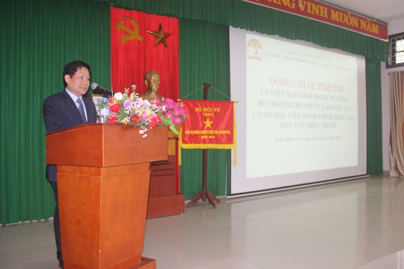 TS. Lê Như Thanh – Phó Giám đốc Học viện Hành chính Quốc gia, Thường trực Cơ sở Học viện phát biểu tại buổi làm việc