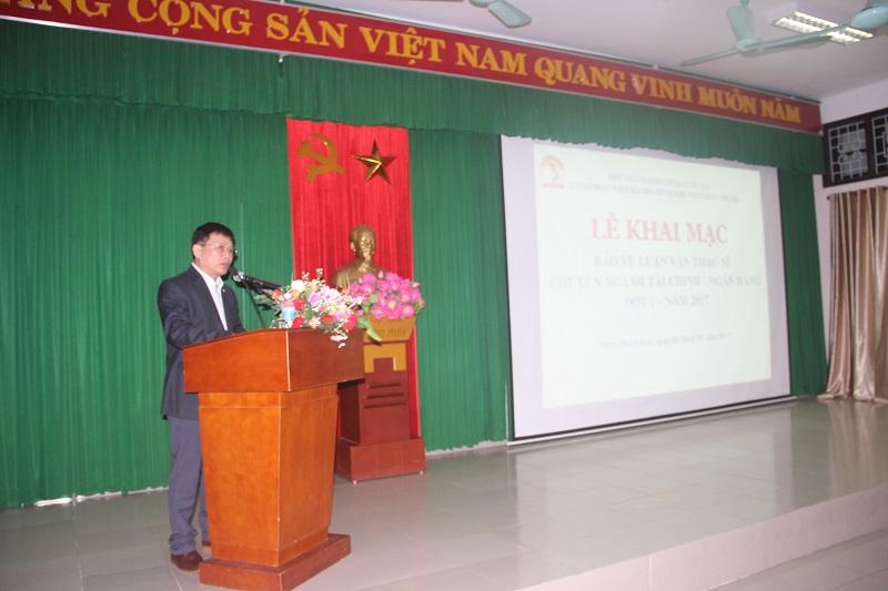 TS. Nguyễn Ngọc Thao – Trưởng khoa QLNN về Tài chính công phát biểu tại Lễ khai mạc bảo vệ luận văn