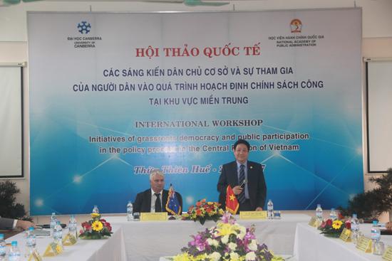 TS. Lê Như Thanh – Phó Giám đốc Thường trực Học viện Hành chính Quốc gia phát biểu tại buổi làm việc