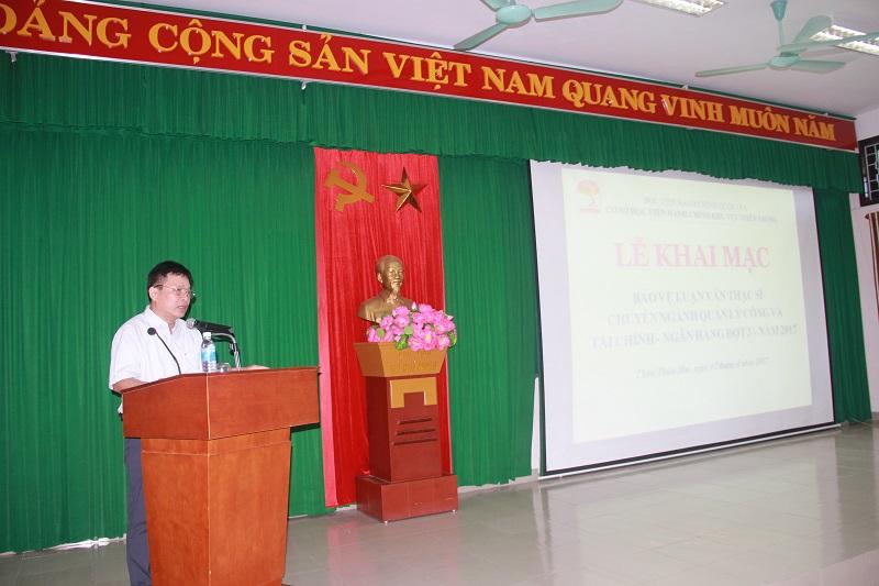TS. Nguyễn Ngọc Thao – Trưởng Khoa Quản lý Tài chính công phát biểu tại Lễ khai mạc bảo vệ luận văn