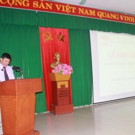 PGS.TS Thái Thanh Hà - Phó trưởng Ban Đào tạo Học viện Hành chính Quốc gia công bố các quyết định trúng tuyển, mở lớp và phân công giáo viên chủ nhiệm