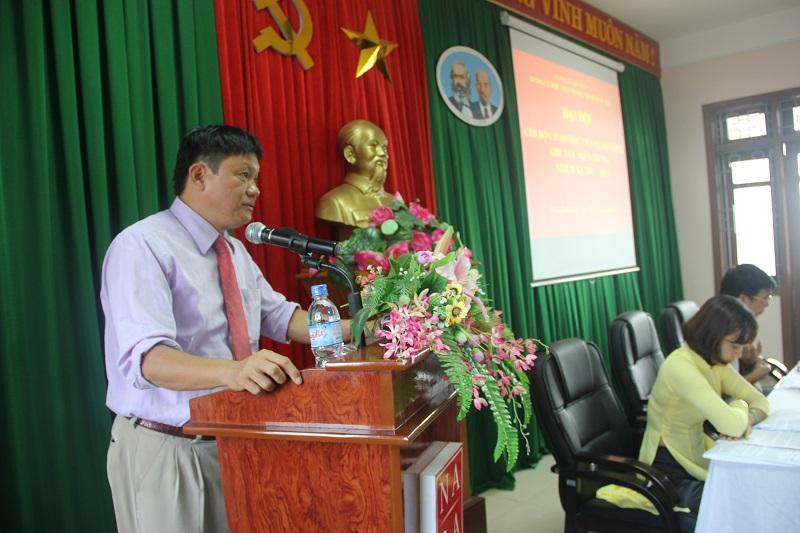 Đồng chí Thái Thanh Hà - Phó Bí thư Chi bộ, Phó Ban Đào tạo Học viện Hành chính Quốc gia trình bày Báo cáo kiểm điểm của Cấp ủy Chi bộ nhiệm kỳ 2015 - 2017
