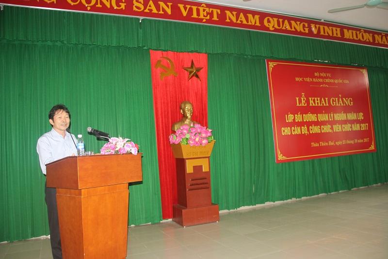 TS. Nguyễn Ngọc Vân - Vụ Trưởng Vụ Đào tạo bồi dưỡng cán bộ công chức viên chức Bộ Nội vụ phát biểu