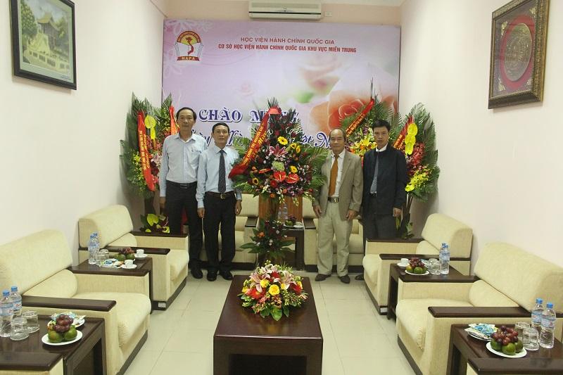 Trường Chính trị Nguyễn Chí Thanh đến thăm và chúc mừng Cơ sở Học viện