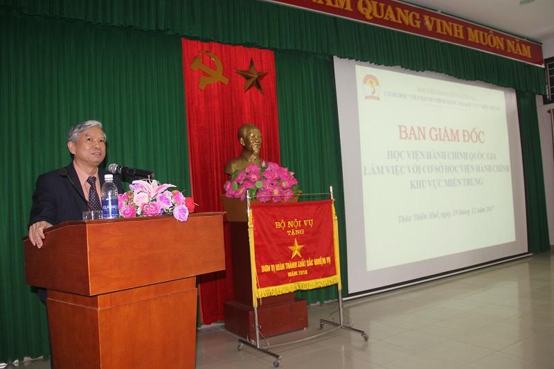 TS. Vũ Thanh Xuân – Phó Giám đốc Học viện Hành chính Quốc gia phát biểu