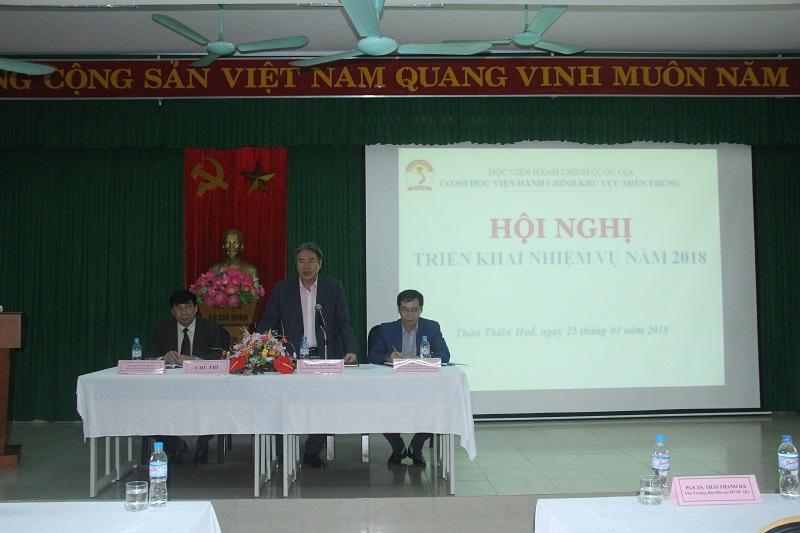 TS. Đặng Xuân Hoan – Bí thư Đảng ủy, Giám đốc Học viện Hành chính Quốc gia phát biểu chủ trì Hội nghị