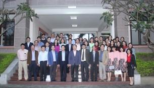 Lãnh đạo Học viện Hành chính Quốc gia cùng Lãnh đạo, cán bộ, giảng viên, người lao động Cơ sở Học viện chụp ảnh lưu niệm