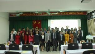 Lãnh đạo, cán bộ, giảng viên, người lao động Cơ sở Học viện chụp ảnh lưu niệm