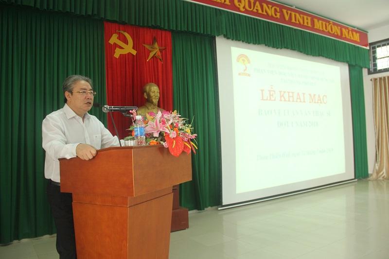 TS. Đặng Xuân Hoan – Bí thư Đảng ủy, Giám đốc Học viện Hành chính Quốc gia phát biểu tại Lễ khai mạc bảo vệ luận văn