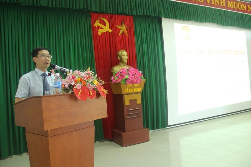 PGS.TS. Lương Thanh Cường – Phó Giám đốc Học viện Hành chính Quốc gia, Phụ trách Phân viện Huế phát biểu chỉ đạo tại buổi lễ