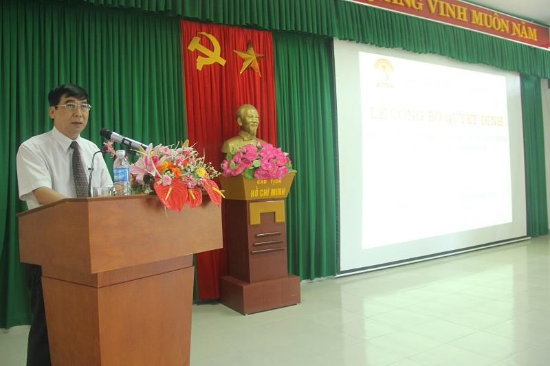 TS. Ngô Văn Trân – Phó Giám đốc Phân viện Huế phát biểu ý kiến