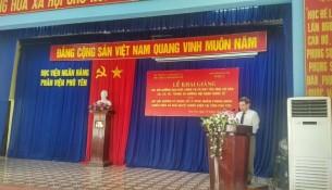 Đồng chí Vũ Đức Thơ, Giám đốc Sở Nội vụ tỉnh Phú Yên phát biểu tại Lễ khai giảng
