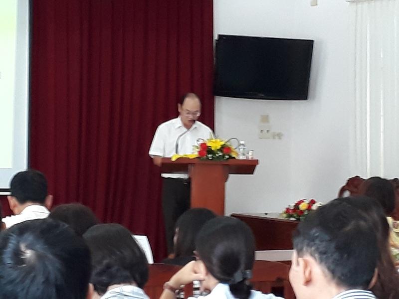 Đồng chí Ngô Văn Hương, Phó Giám đốc Sở Nội vụ tỉnh Bình Định phát biểu khai giảng khóa học