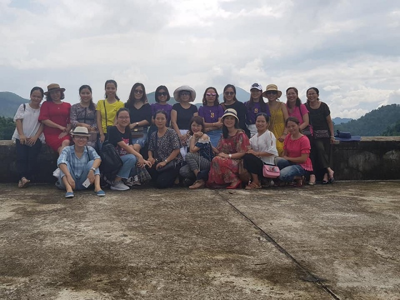 Chị em Phân viện Huế tham quan đập Quao tại Phong Mỹ