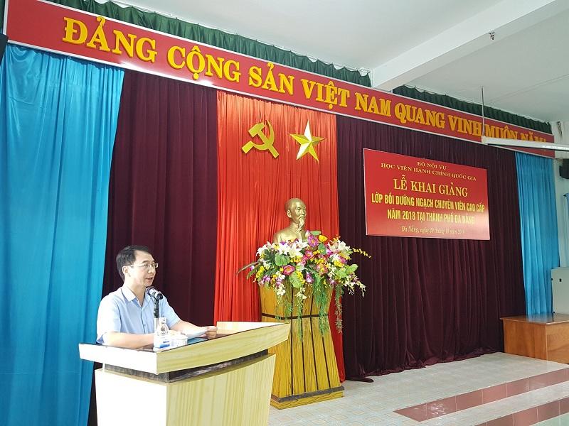 PGS.TS. Lương Thanh Cường, Phó Giám đốc Học viện Hành chính Quốc gia phát biểu khai giảng khóa học .