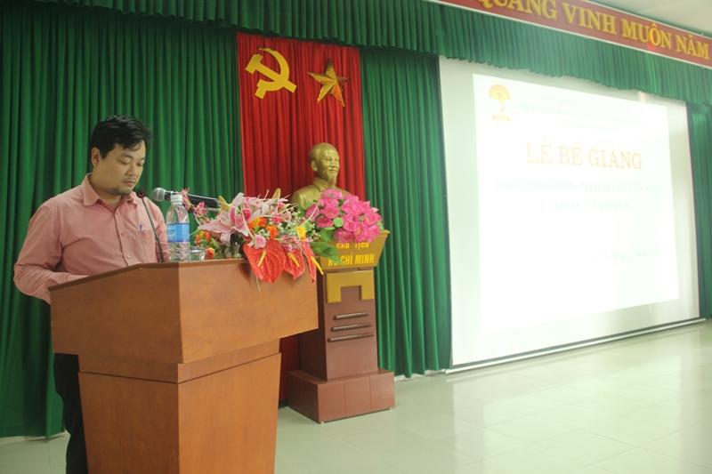 ThS. Hoàng Lê Hoài Bắc, Phòng Quản lý Đào tạo, Bồi dưỡng báo cáo tổng kết khóa học