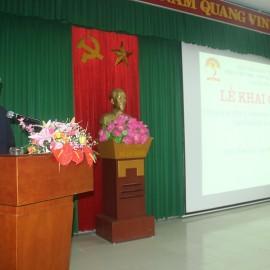 Đồng chí Huỳnh Văn Mạnh, Phó Giám đốc Kho bạc Nhà nước tỉnh Thừa Thiên Huế phát biểu tại lễ Khai giảng