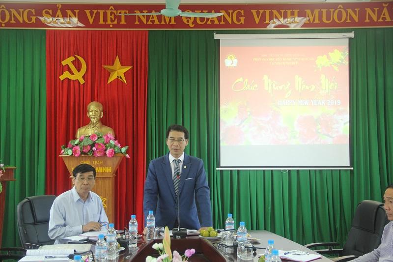 PGS.TS. Lương Thanh Cường, Phó Giám đốc Học viện Hành chính Quốc gia, Phụ trách Phân viện Học viện Hành chính Quốc gia tại thành phố Huế phát biểu gặp mặt đầu năm